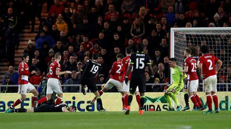 Costa dua Chelsea len ngoi dau Premier League - Anh 3