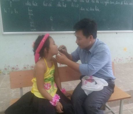 Nhung hinh anh cam dong ve cac thay, co giao - Anh 6