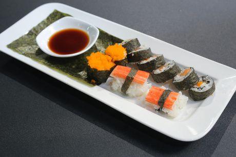 """Vua dau bep nhi: Tu tin voi mon sushi, """"cong chua tho"""" van bi loai - Anh 8"""