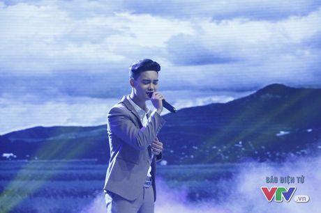 Tuan Phuong X-Factor khoe chat giong buon man mac trong Giai dieu tu hao - Anh 1