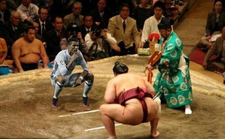 An mung kieu mannequin, Ronaldo bi fan che gieu - Anh 3