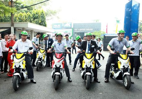 Chay thu 18 xe may dien cong dong tai TP HCM - Anh 1