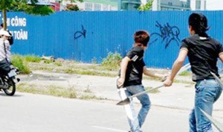 Truy bat doi tuong dam chet mot thanh nien tai quan karaoke - Anh 1
