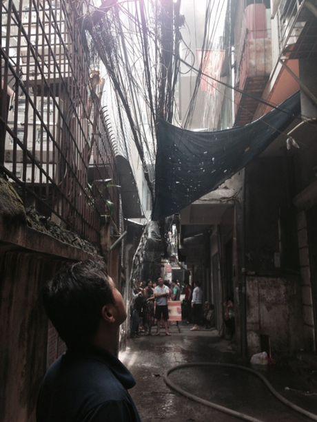 Chay lon tren pho Tran Khat Chan, Ha Noi - Anh 1