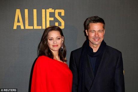 Ve dep sang chanh cua Brad Pitt sau scandal ly hon - Anh 1