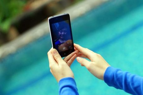 Smartphone Nhat gia chua toi mot trieu dong - Anh 3