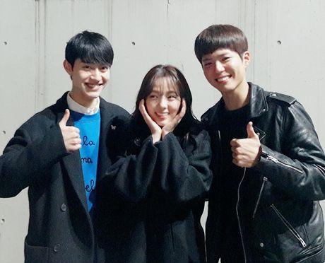 Sao Han 21/11: Na Eun khoe chan thang tap, SinB het ve lanh lung 'kho o' - Anh 8