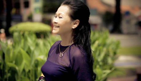 Khanh Ly tro ve nuoc thuc hien 'live concert' - Anh 5