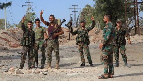 Quan doi Syria day lui cuoc phan cong cua phien quan o dong Aleppo - Anh 2