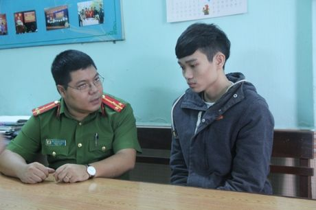 Khen thuong vu bat hacker gia danh tren facebook chiem doat 2,1 ty - Anh 2
