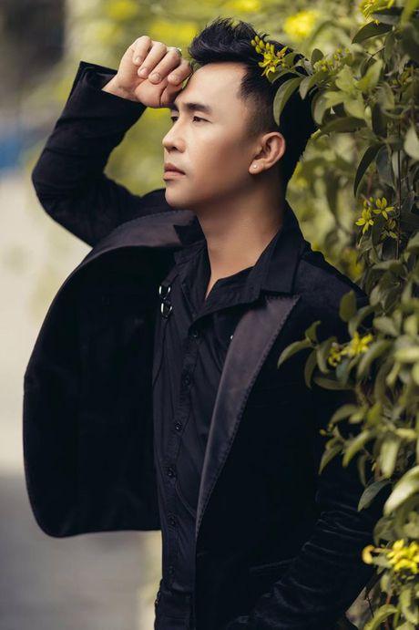 Tony Nguyen the hien dang cap voi gam den huyen bi - Anh 2