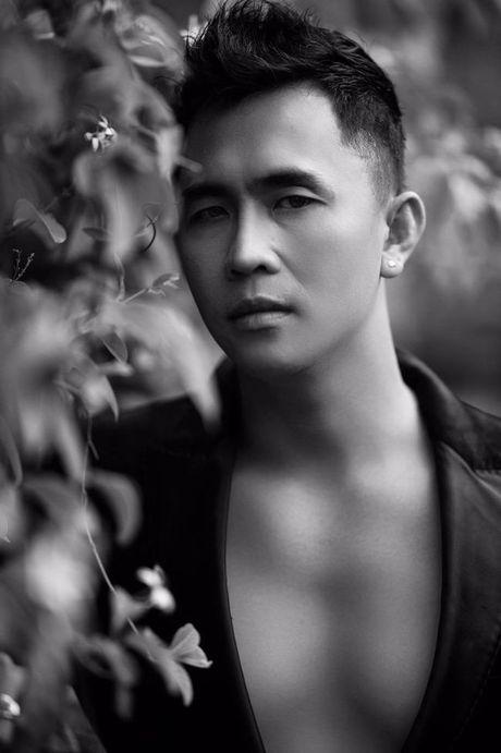 Tony Nguyen the hien dang cap voi gam den huyen bi - Anh 3