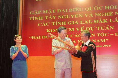 Bo Cong an gap mat than mat DBQH va nghe nhan cac tinh Tay Nguyen - Anh 5