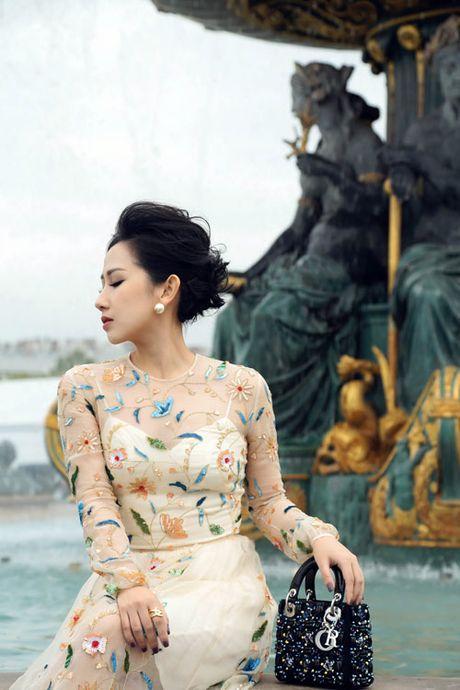 Bi quyet giup nu fashionsta Tram Nguyen toa sang giua kinh do thoi trang Paris - Anh 7