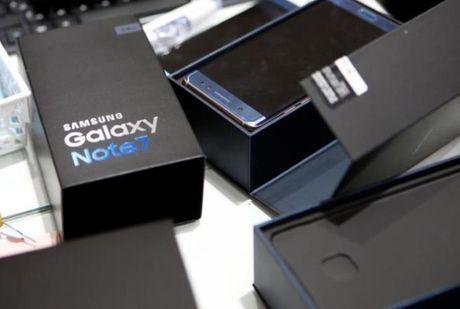 Sau be boi thu hoi vi chay no, dien thoai Samsung co tiep tuc duoc tin dung? - Anh 1