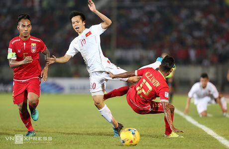 Nhung pha da ran cua Myanmar voi cau thu Viet Nam - Anh 8