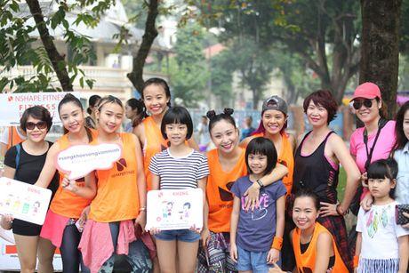 Chuoi cac hoat dong cong dong tai pho di bo Ho Guom - Anh 3