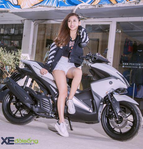Hotgirl DJ Quynh Nhi dep hut hon ben Yamaha NVX 155 - Anh 6