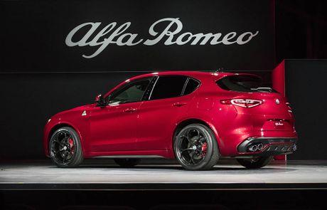 Ra mat Alfa Romeo Stelvio 2018, lam lu mo Porsche Macan Turbo! - Anh 2