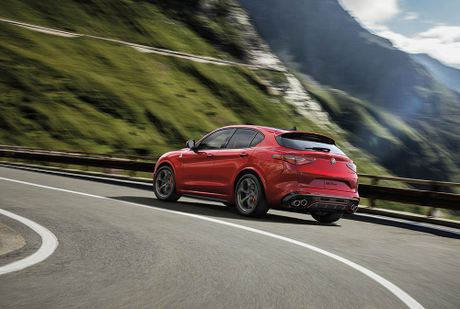 Ra mat Alfa Romeo Stelvio 2018, lam lu mo Porsche Macan Turbo! - Anh 4
