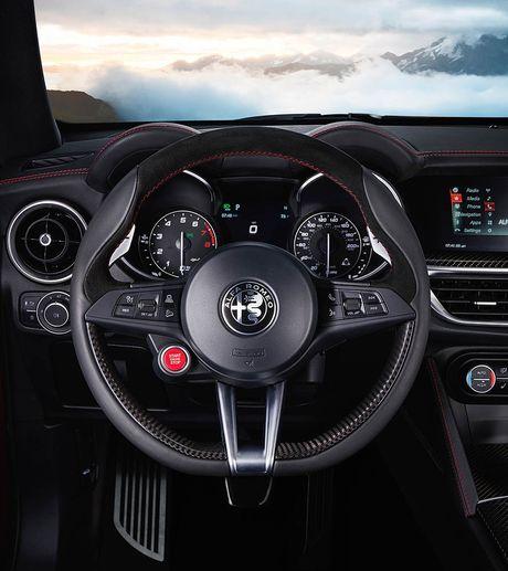 Ra mat Alfa Romeo Stelvio 2018, lam lu mo Porsche Macan Turbo! - Anh 8