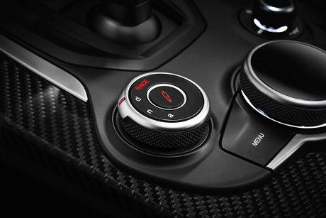 Ra mat Alfa Romeo Stelvio 2018, lam lu mo Porsche Macan Turbo! - Anh 9