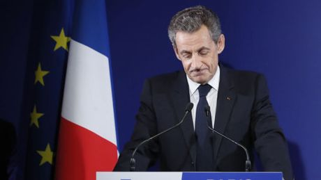 Phap: Cuu Tong thong Sarkozy thua ngay tu vong 'so loai' bau cu - Anh 1