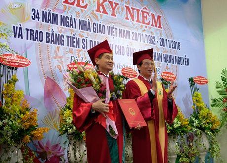 Bo chong Ha Tang nhan 'chuc moi' o Dai hoc Da Lat - Anh 1