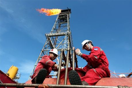 TT dau TG ngay 21/11: Gia tang do mong doi viec cat giam san luong cua OPEC - Anh 1