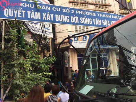 Nhung hinh anh cap nhat vu chay nha tai khu dan cu Thanh Nhan - Anh 1
