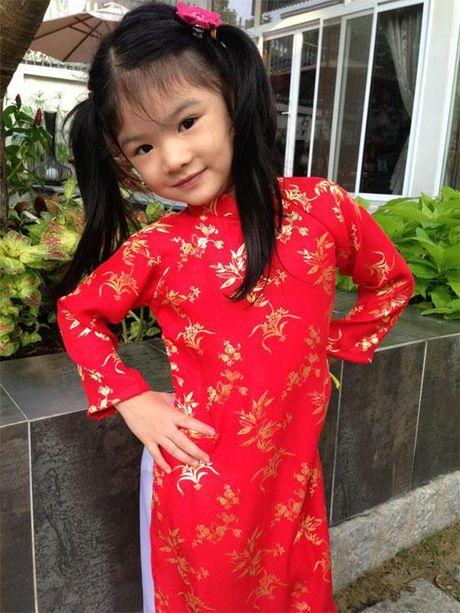 Be Bao Tien nha Truong Ngoc Anh - Tran Bao Son ra dang thieu nu o tuoi len 8 - Anh 2