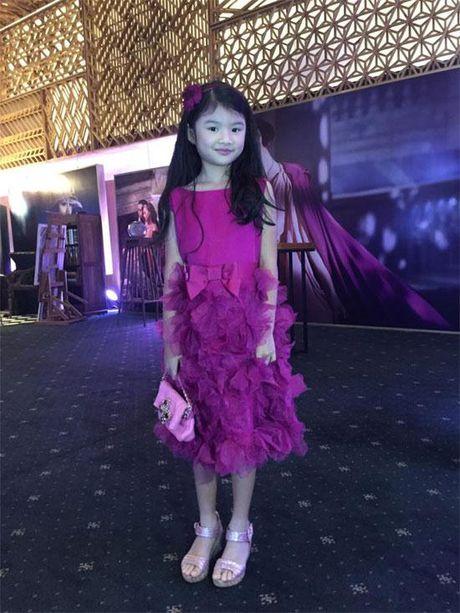 Be Bao Tien nha Truong Ngoc Anh - Tran Bao Son ra dang thieu nu o tuoi len 8 - Anh 5