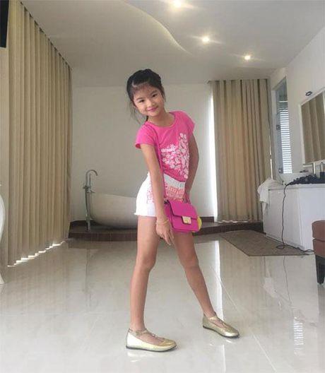 Be Bao Tien nha Truong Ngoc Anh - Tran Bao Son ra dang thieu nu o tuoi len 8 - Anh 6