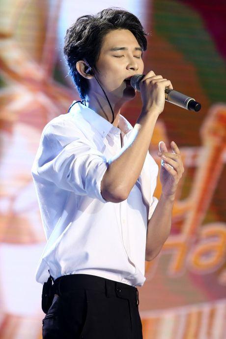 Pham Hong Phuoc xuc dong cung em gai khiem khuyet, Dao Ba Loc ke chuyen 'tuoi day thi' chinh phuc Duc Tri - Anh 13