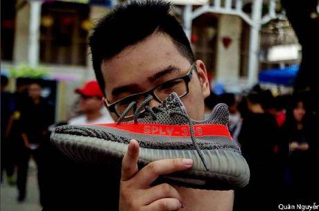 Ngam nhin nhung 'chien loi pham' tin do thoi trang kiem duoc tai #sneakerfest - Anh 3