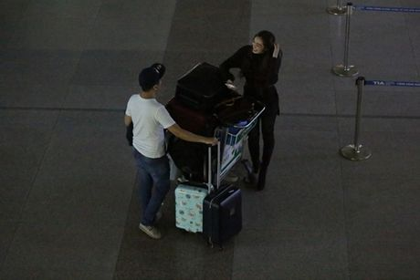 Khanh My khe ne mang 5 vali sang Bac Kinh 'hoi ngo' Ma Duc Chung - Anh 6