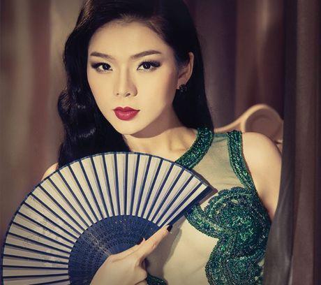 Hong Nhung - Le Quyen: Bi quyet giu gin nhan sac vuot thoi gian cua 2 giong ca hang dau Viet Nam - Anh 10