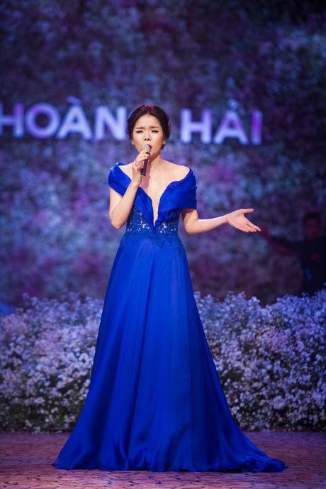Hong Nhung - Le Quyen: Bi quyet giu gin nhan sac vuot thoi gian cua 2 giong ca hang dau Viet Nam - Anh 11