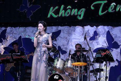 Hong Nhung - Le Quyen: Bi quyet giu gin nhan sac vuot thoi gian cua 2 giong ca hang dau Viet Nam - Anh 12
