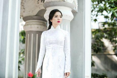 Hong Nhung - Le Quyen: Bi quyet giu gin nhan sac vuot thoi gian cua 2 giong ca hang dau Viet Nam - Anh 13