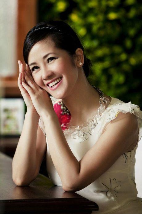 Hong Nhung - Le Quyen: Bi quyet giu gin nhan sac vuot thoi gian cua 2 giong ca hang dau Viet Nam - Anh 3