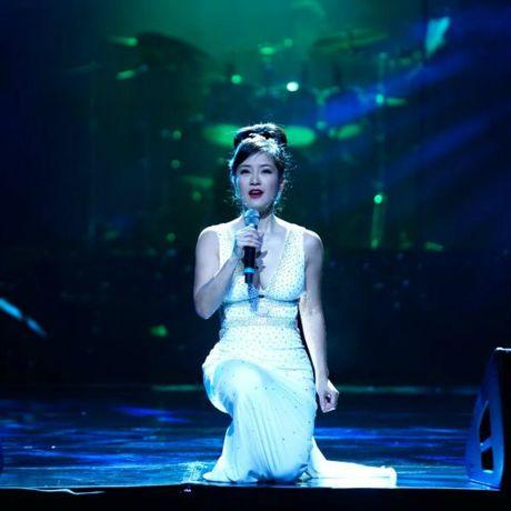 Hong Nhung - Le Quyen: Bi quyet giu gin nhan sac vuot thoi gian cua 2 giong ca hang dau Viet Nam - Anh 6