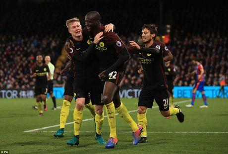 Nhung 'con so biet noi' sau vong 12 Premier League - Anh 8