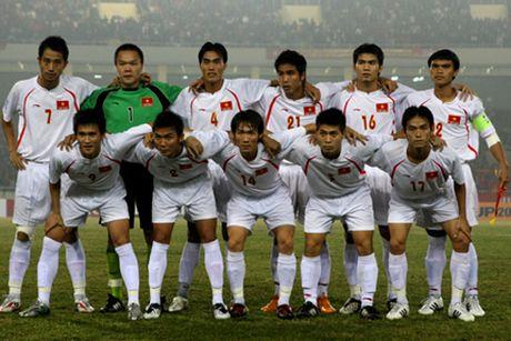 Nhin lai khoanh khac lich su cua DTVN tai AFF Cup 2008 - Anh 1