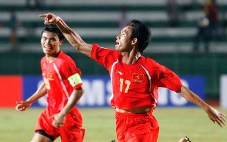 Nhin lai khoanh khac lich su cua DTVN tai AFF Cup 2008 - Anh 2