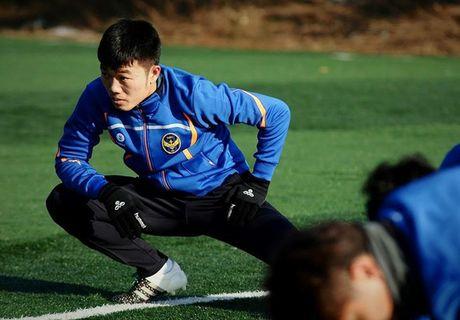 Cuu cau thu K-League: Xuan Truong la nguoi chuyen bong tot nhat o K-League hien nay - Anh 1