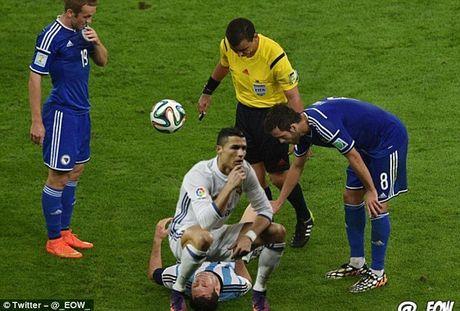 Anh che Ronaldo mung ban thang theo trao luu dung hinh - Anh 4