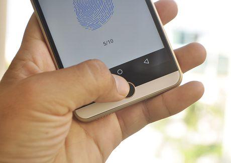 Intex Aqua View: Smartphone An Do gia re co cam bien van tay - Anh 2