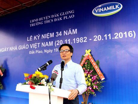 Vinamilk mang 'Sua hoc duong' den voi tre em Dak Nong - Anh 1