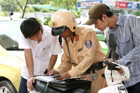 Hien ke phat dung xe, dung chu nhu Tay - Anh 1